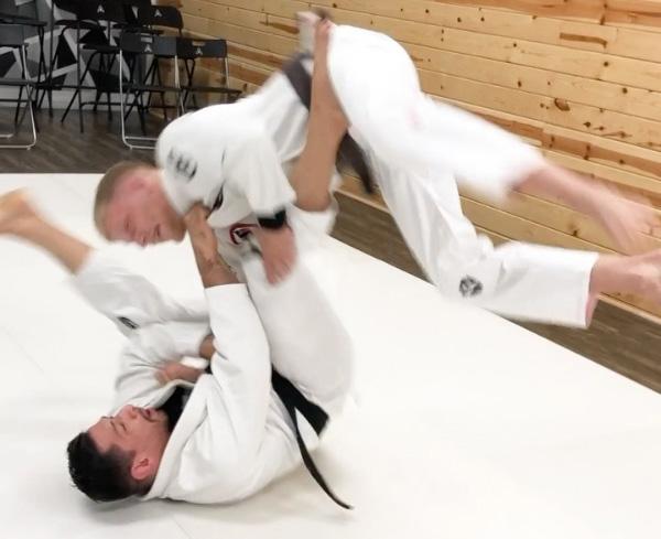 Autonomous jiu-jitsu